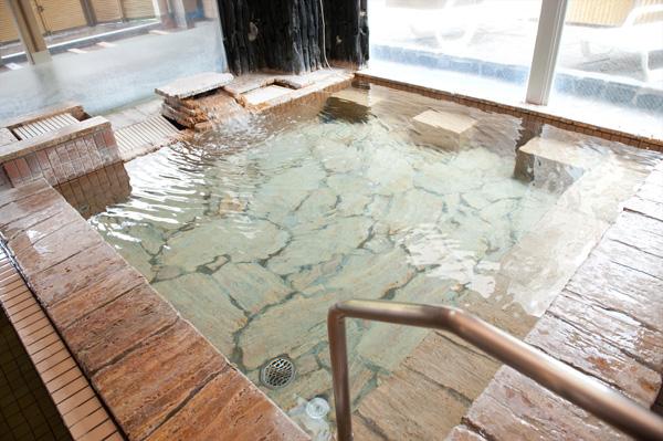 天然ラジウム鉱石風呂